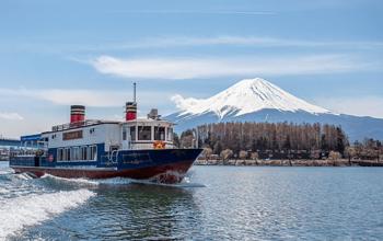 Berkeliling Danau Kawaguchi dengan Kapal Feri