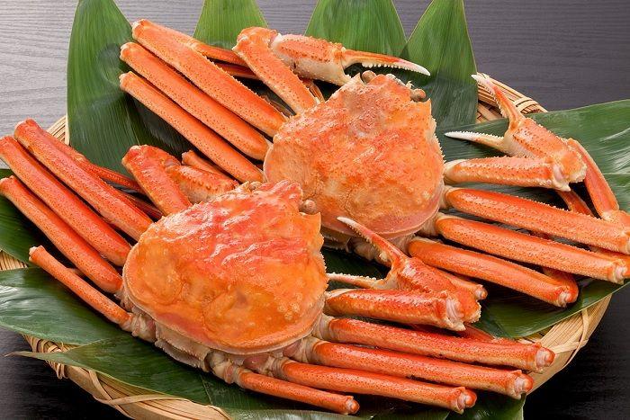 Makan Siang dengan Kepiting, Berlayar di Danau Ashi dan Berjalan Sepanjang Jembatan Mishima Skywalk