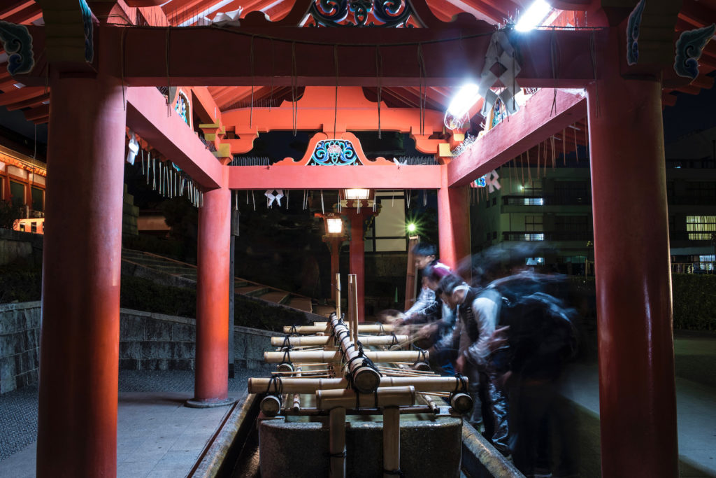 Malam Hari di Kuil Fushimi Inari