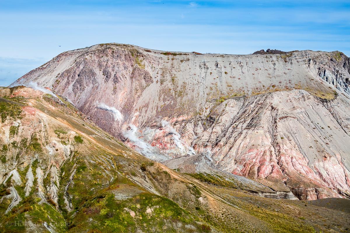 Gunung Usu Hokkaido, Pemandangan Luas Nan Cantik Dari Gunung Berapi Aktif
